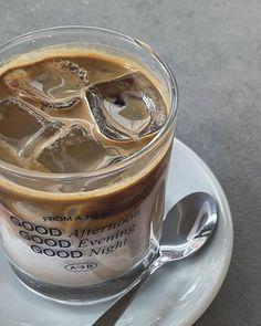 Iced Coffee, Coffee Time, Cute Food Art, Aesthetic Food, Caffeine, Matcha, Bakery, Food And Drink, Aesthetics