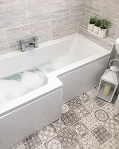 L shaped bath and plants shelf L Shaped Bathroom, Add A Bathroom, Modern Master Bathroom, Bathroom Layout, Basement Bathroom, Bathroom Interior Design, Cottage Shabby Chic, Beautiful Bathrooms, Bathroom Renovations