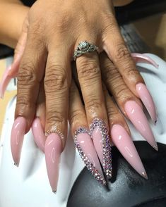 Bling Acrylic Nails, Aycrlic Nails, Glam Nails, Hot Nails, Bling Nails, Fabulous Nails, Perfect Nails, Gorgeous Nails, Long Stiletto Nails