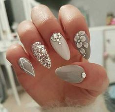 Berühmte Glittered Nail Arts, die Sie lieben werden, #acrylicnails #acrylnägel #fingernägel #gelnails #gelnägel #nägel #nageldesign #nagelstudio #nail #nailart #naildesigns #nailart #nails