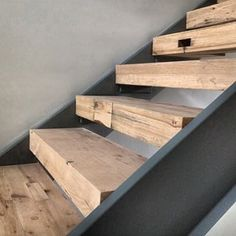 Bilderesultat for white oak stair treads Steel Stairs, Wood Stairs, Basement Stairs, House Stairs, Concrete Stairs, Walkout Basement, Carpet Stairs, Open Stairs, Floating Stairs