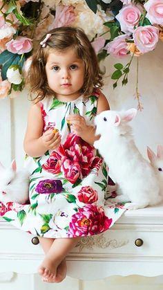 Cute Little Baby Girl, Cute Little Girl Dresses, Cute Babies, Baby Girl Photos, Cute Baby Pictures, Newborn Pictures, Precious Children, Beautiful Children, Animals Beautiful