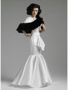 Tonner 2011: Joan Crawford, Devil in White ...i know this isn't Barbie but she's beautiful