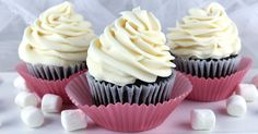 Best Marshmallow Buttercream Frosting - a sweet and creamy marshmallow buttercream frosting that tastes just like the inside of a Hostess Ding Dong.