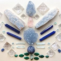 blue hue crystals and gemstones! Crystals Minerals, Rocks And Minerals, Crystals And Gemstones, Stones And Crystals, Wicca Crystals, Gem Stones, Crystal Magic, Crystal Grid, Crystal Healing