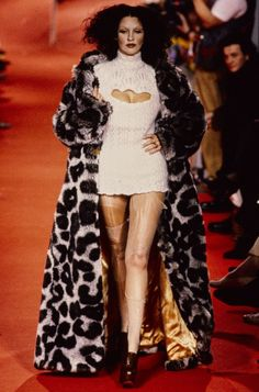 Haute Couture Style, Couture Mode, Couture Fashion, 90s Fashion, Runway Fashion, High Fashion, Fashion Show, Vintage Fashion, Fashion Outfits