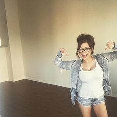 """3,296 Likes, 86 Comments - Tessa Fowler (@tessa_fowler) on Instagram: """"Whose got two thumbs and a new apartment? THIS GIRL!"""""""