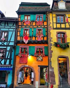 Beautiful architecture in Alsace, France Beautiful Architecture, Beautiful Buildings, Beautiful Places To Visit, Wonderful Places, The Places Youll Go, Places To See, Images Of France, Travel Around The World, Around The Worlds