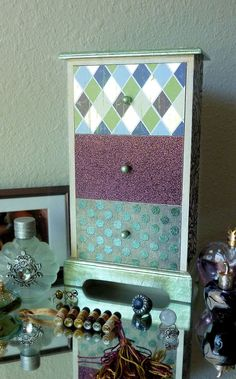 Paper-lacquered Jewelry Box