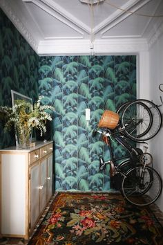 10 Eye-Catching Entryways with Patterned Wallpaper | Apartment Therapy