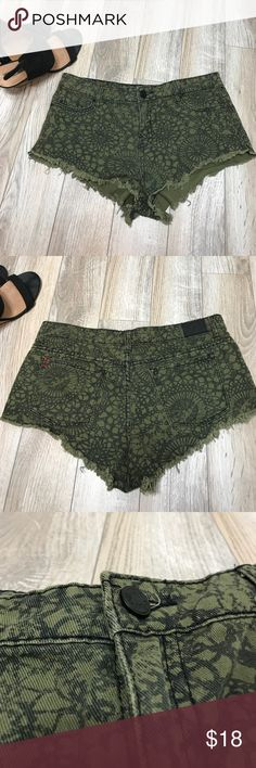 BDG Low Rise Green Black patterned Cut off Shorts EUC cut offs from BDG. Mia low Rise army green shorts with awesome black pattern. Size 28 BDG Shorts