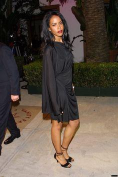 Fanpage dedicated to the late, great & beautiful Aaliyah Dana Haughton. Aaliyah Singer, Rip Aaliyah, Aaliyah Style, Aaliyah Albums, Christina Aguilera, Hip Hop Fashion, 90s Fashion, Beautiful Black Women, Beautiful People