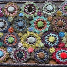 ❇♥❇♥ Fuxico em Circulo Crochê Pom Pom. / ❇♥❇♥ Gossip in Circle Crochet Pom Pom.