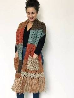 Beau Crochet, Mode Crochet, Knit Crochet, Crochet Shawls And Wraps, Crochet Scarves, Crochet Clothes, Crochet Wrap Pattern, Crochet Patterns, Cardigan Au Crochet