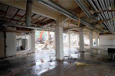 Juli - juli 2015   Voorzichtige sloop van de buitenmuur Turmac