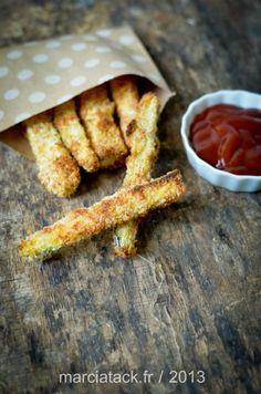 Des frites de courgettes cuites au four, à servir en apéro ou en entrée