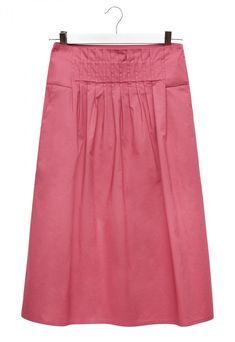 Cotton poplin midi skirt. Regular gathered waist. Flared design with a comfortable fit. Knee-length.