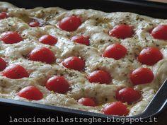 La cucina delle streghe - http://lacucinadellestreghe.blogspot.it/2016/06/focaccia-pugliese.html