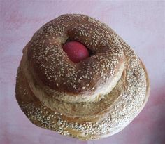 Easter bread flavored with coriander seeds
