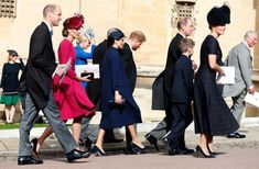 Prince Harry and Meghan Markle may be distancing themselves from Kate Middleton and Prince William at Kensington Palace, but when it comes to royal engagements, it's clear the Fab Four are as tight as ever. Prince William Et Kate, Prince Harry Et Meghan, Prince Edward, Prince Charles, William Kate, Prince Philip, Royal Wedding Guests Outfits, Royal Weddings, Estilo Real