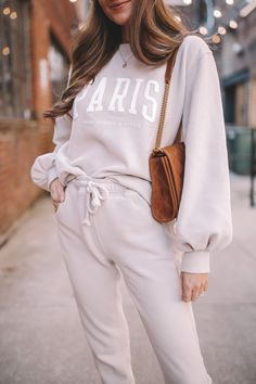 Abercrombie has the best lounge sets!! Fall Fashion Trends, Latest Fashion Trends, Casual Fall Outfits, Trendy Outfits, Southern Curls And Pearls, Cold Weather Fashion, Little Fashion, Comfy Casual, Everyday Outfits