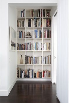 13 Clever Built-Ins for Small Spaces. Clever built-ins are a great way to incorporate storage, and other functionalities, without the cumbersomeness of furniture, and they're a great way to really Bookshelf Design, Bookshelves Built In, Book Shelves, Bookcases, Bookshelf Wall, Bookshelves For Small Spaces, Bookshelf Ideas, Shelving Ideas, Unique Bookshelves