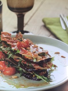 Mille feuille aubergine en gedroogde ham - Pascale Naessens Deli Food, A Food, Good Food, Food And Drink, Yummy Food, Pureed Food Recipes, Cooking Recipes, Healthy Recipes, Healthy Cooking