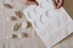 les 69 meilleures images du tableau moulage modelage sur pinterest en 2018 poterie. Black Bedroom Furniture Sets. Home Design Ideas