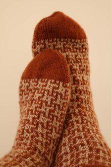 Socken mit Kreuzmuster
