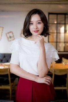 Korean Beauty Girls, Beauty Full Girl, Sexy Asian Girls, Korean Women, Korean Celebrities, Celebs, Korean Short Hair, Singer Fashion, Kim Ji Won