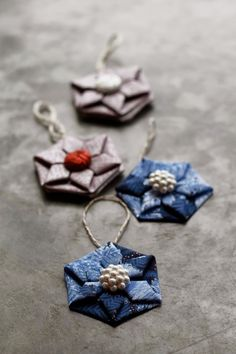 Fabric Origami Ornaments or Applique. Great for Christmas ornaments or additions to gift wrapping