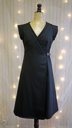 Robe porte feuille japonisante tissu noir tissé