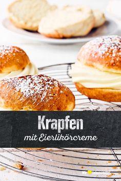 Ob als Jelly Doughnut in England, Boule de Berlin in Frankreich oder Kräppel, Puffel, Berliner und Pfannkuchen in Deutschland: Überall in Europa ist der Krapfen bekannt. Backe das süße Gebäck mit Eierlikörcreme oder Marmelade selber! #edeka #krapfen #eierlikör #mitliebe #rezept