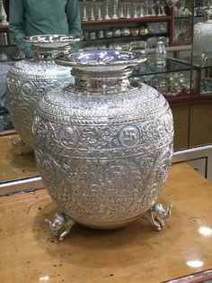 Silver Accessories, Silver Jewelry, Silver Pooja Items, Royal Furniture, Buddha Meditation, Silver Trays, Pooja Rooms, Cooking Gadgets, Hinduism