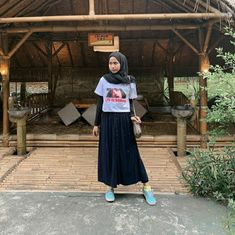 overall outfit casual Modern Hijab Fashion, Street Hijab Fashion, Hijab Fashion Inspiration, Muslim Fashion, Casual Hijab Outfit, Ootd Hijab, Hijab Chic, Casual Outfits, Fashion Outfits