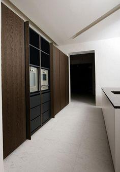 Atelier (design C. Kitchen Fan, Hidden Kitchen, Real Kitchen, Atelier Design, Boffi, Beautiful Interior Design, Minimalist Interior, Kitchen Flooring, Kitchen Interior