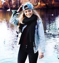 Romina  M. -  - Smile