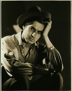 Portrait of Tyrone Power for Jesse James directed by Henry King, 1939 Hollywood Men, Old Hollywood Stars, Old Hollywood Movies, Hooray For Hollywood, Classic Hollywood, Vintage Hollywood, Old Film Stars, Most Handsome Actors, Tyrone Power