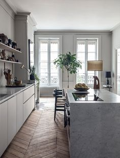 House tour: a modern French apartment within an opulent shell - Vogue Living. Home of interior designers Pierre Emmanuel Martin and Stéphane Garotin. Home Interior, Interior Design Kitchen, Modern Interior, Minimalist Interior, Apartment Interior, Apartment Ideas, Modern French Interiors, Modern French Decor, French Interior Design
