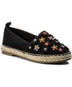 Dámske espadrilky v kamenných aj internetových obchodoch. Prezri si aktuálnu kolekciu Jar/Leto 2018 na módnom portáli Glami.sk. Leto, Espadrilles, Loafers, Shoes, Fashion, Espadrilles Outfit, Travel Shoes, Moda, Zapatos