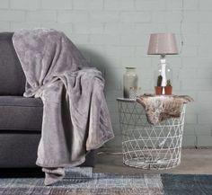 #slaapkamer #interieur # wonen #woonkamer #plaid #woondeken Plaid, Blanket, Grey, Home, Gingham, Gray, Ad Home, Blankets, Homes