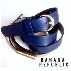 •Banana Republic• Navy & gold leather belt Adorable navy blue Banana Republic belt w/ gold buckle. New condition w/o tags. Super cute to wear with jeans, blazer, tee & heels for a stylish, sleek & classic ensemble. Size medium. Banana Republic Accessories Belts