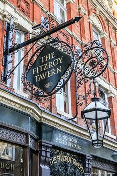 Gardening In The City The Fitzroy Tavern pub in London's Fitzrovia is one of the prettiest historic pubs in London. Best London Pubs, Best Pubs, Old London, London Restaurants, British Pub, British History, Asian History, Tudor History, British Isles
