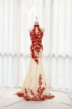 Charming Red Lace And Champagne Tulle Prom Dresses,Halter Prom Gowns,Elegant Prom Dress,Sparkly Party Prom Dresses  http://www.luulla.com/product/586881/charming-red-lace-and-cheampagne-tulle-prom-dresses-halter-prom-gowns-elegant-prom-dress-sparkly-party-prom-dresses