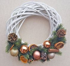 Christmas, Hand-Made Wooden Wreath Decoration 35cm
