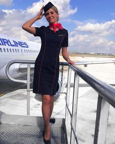 Flight Pilot, Flight Girls, Airline Uniforms, Military Women, Cabin Crew, Flight Attendant, High Class, Silk Scarves, Sexy Women