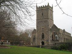 St Peter's is een ruinekerk in Castle Park. De kerk is gebombardeerd tijdens de Tweede Wereldoorlog in de Bristol Blitz op 24 en 25 november 1940. De kerk is behouden als een oorlogsgedenkmonument.