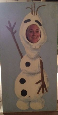 Disney's Olaf has come to life in my DIY cutout stand.