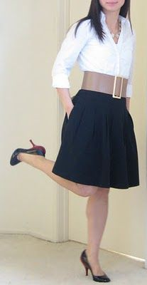 falda negra con cinturon ancho