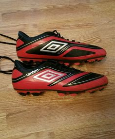 Soccer Cleats Size 9 Red/Black Umbro Mens Velorium Lightweight Shoes in Sporting  Goods,
